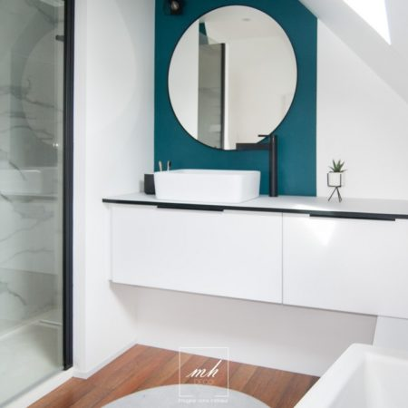 Rénovation de salle de bains à Fournes-en-Weppes par MH DECO